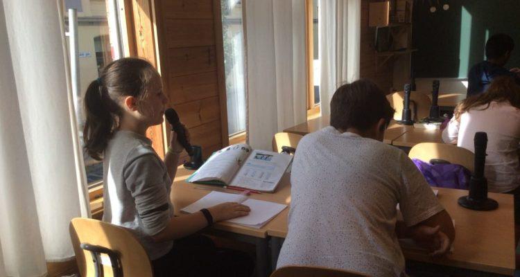 dans la Classe d'Eva à Bergen (Norvège) les élèves s'expriment avec des micros