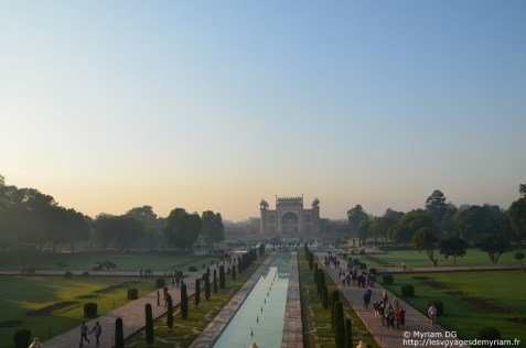 Vu du Taj sur l'entrée