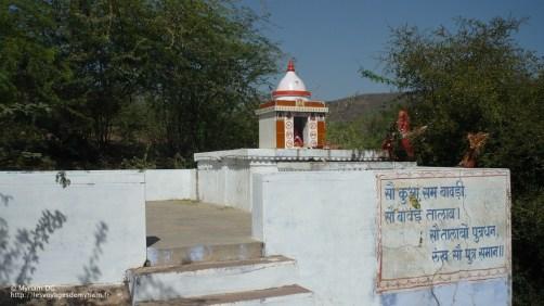 Il y a des petits temples partout!