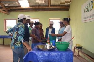 Formation cuisine organisé eu centre PATRAKALA le 15 novembre 2014 pour les femmes des fokontany de Beorana et Antsahafina.