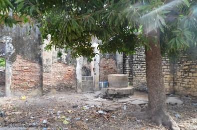 L'ancienne prison des esclaves: le 1er puits de Carabane.