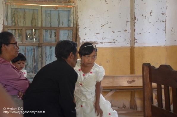 Le papa et la petite soeur du marié.