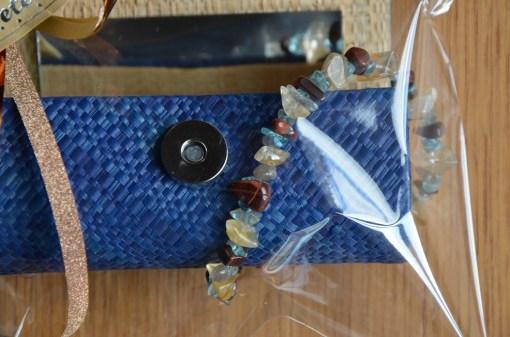coffet maquillage bleu - bracelets (2)