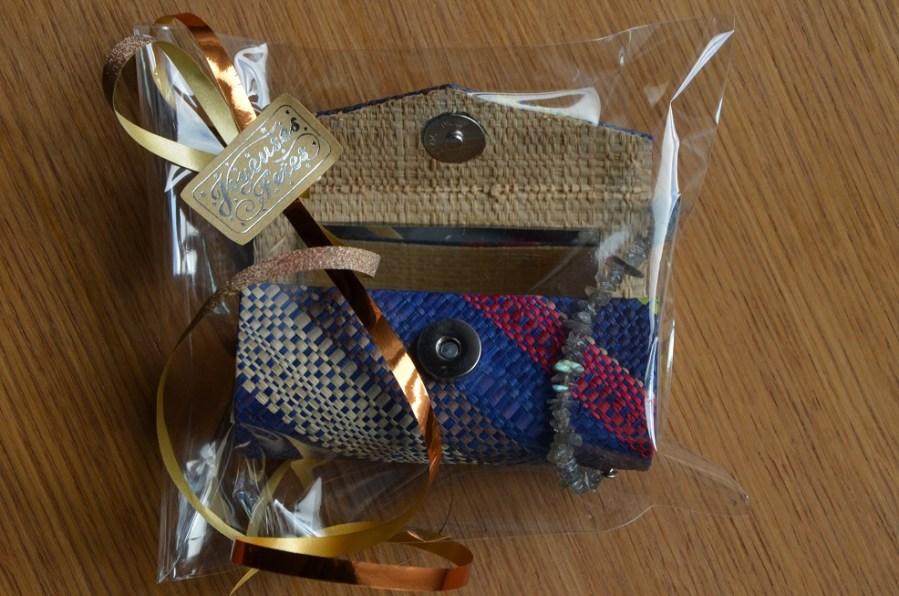 coffet maquillage multicolore - bracelets (1)