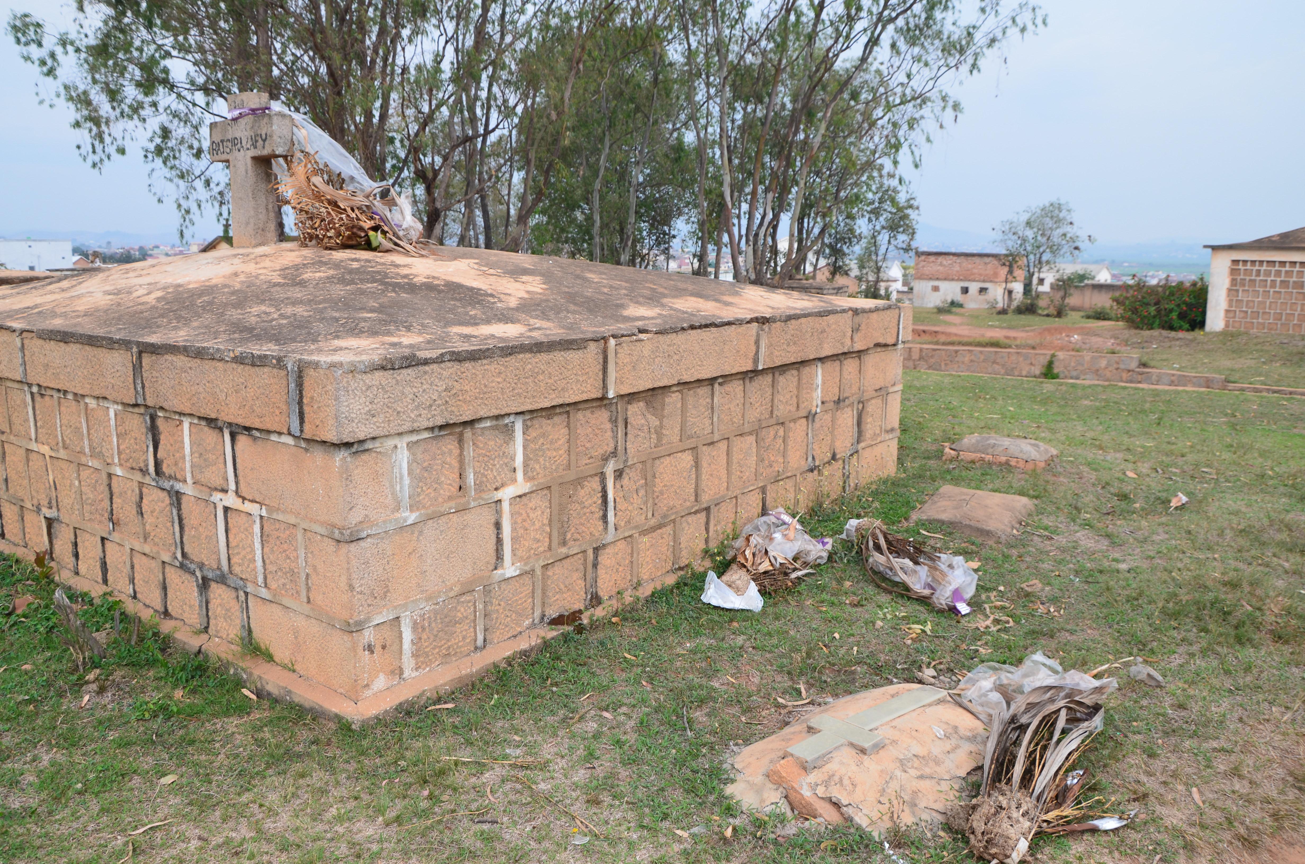 les cimetières à Madagascar