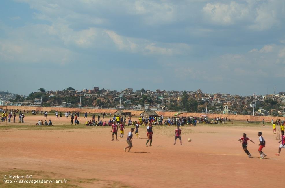 le sport à Madagascar: foot et pétanque!