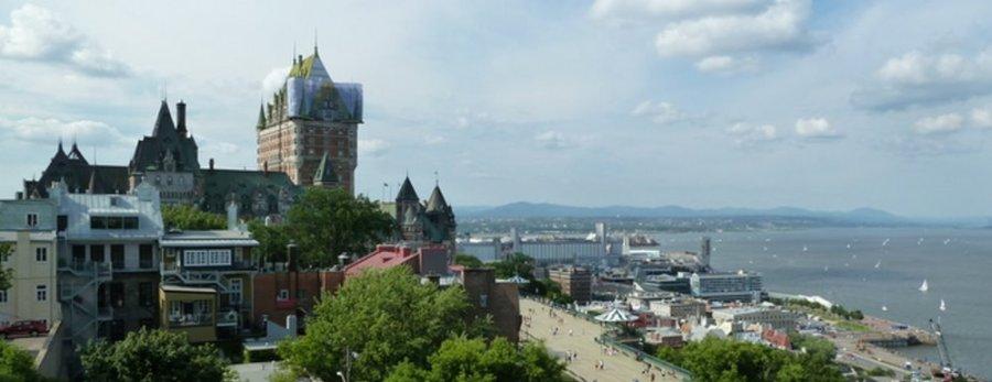 Vue sur le château Frontenac et le St Laurent depuis la Citadelle de Québec