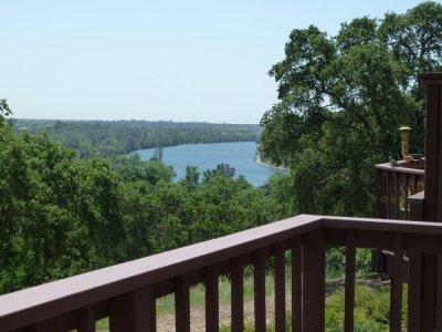 Vue sur le lac Natoma depuis la maison de Jim et Deanna à Folsom - Californie