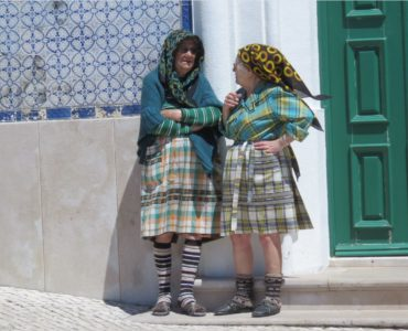 Mamies portugaises en costume local