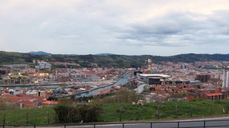 Vue de Bilbao depuis l'aire de camping-car
