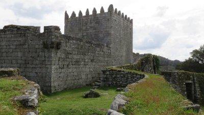 Bravaes - le château