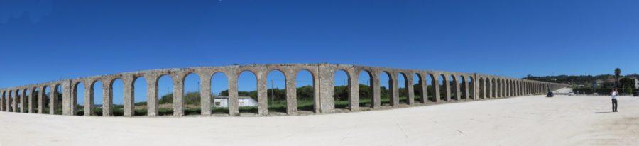 L'Aqueduc d'Uusseira à Obidos