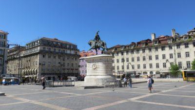 Monument du Roi Joao sur la place de Figueira
