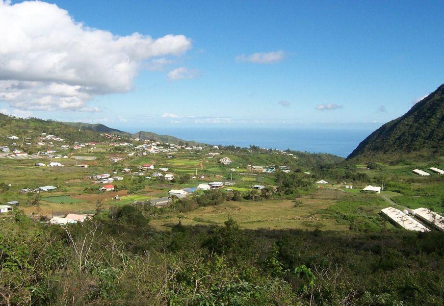 Vue sur le village de Dos d'Âne - Réunion