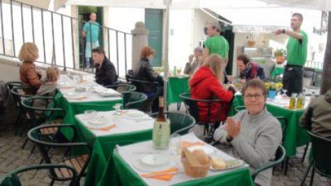 Déjeuner dans le quartier de la Mouraria