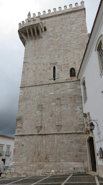 La Torre das Tres Coroas en marbre