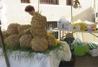 Des sacs de caracoles (escargots) à Cadix