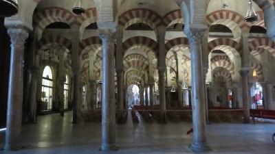 Les colonnes de la Mosquée de Cordoue