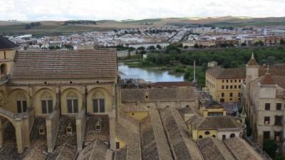 Vue sur Cordoue  et le Guadalquivir depuis le clocher de la Mezquita