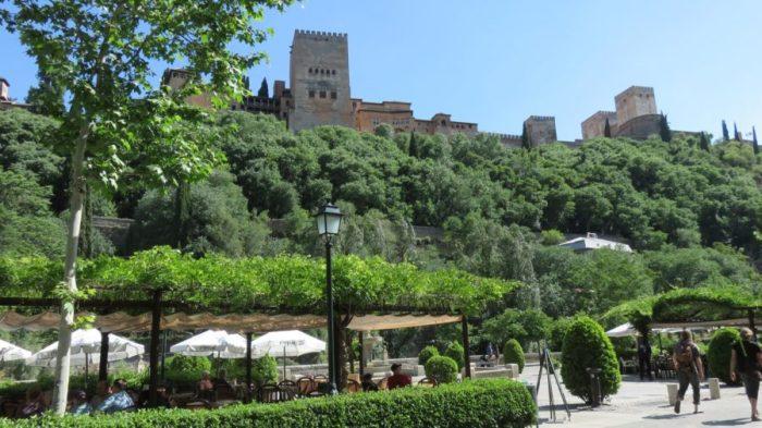 Vue sur l'Alhambra depuis La carretera del Darro - Grenade