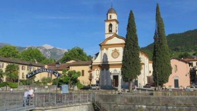 Eglise St Giovanni sur les bords du lac de Côme
