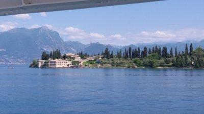 Le lac de Garde entre Salo et Sirmione