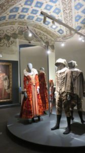 Costumes dans le palais ducal de Mantoue