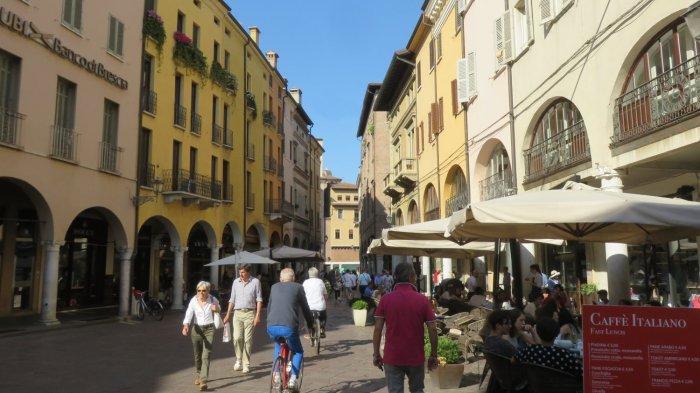 Les rues piétonnes de Mantoue