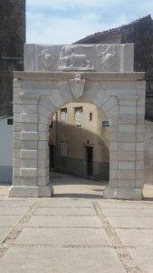 La porte de Cres