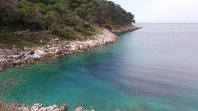 Le bord de mer sur l'île de Losinj