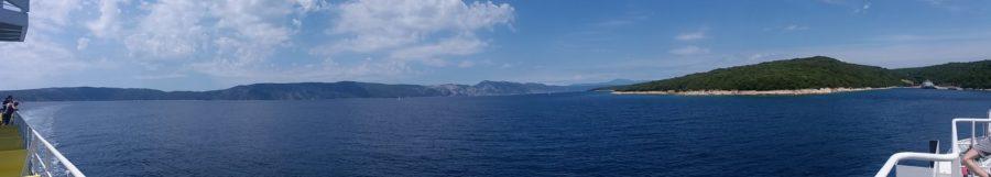 Sur le bateau entre l'île de Cres et de Krk (Croatie)