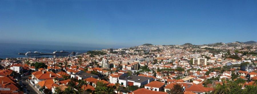 Vue panoramique sur Funchal depuis le téléphérique - Madère