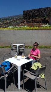 Casse croûte avant la visite du jardin botanique de Funchal - Madère