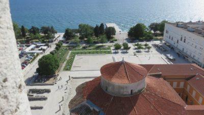 Vue sur les quais de Zadar depuis la tour de la Cathédrale Ste Anastasie