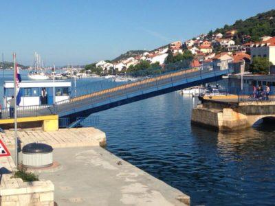 Pont basculant de Tisno sur l'île de Murter (Croatie)