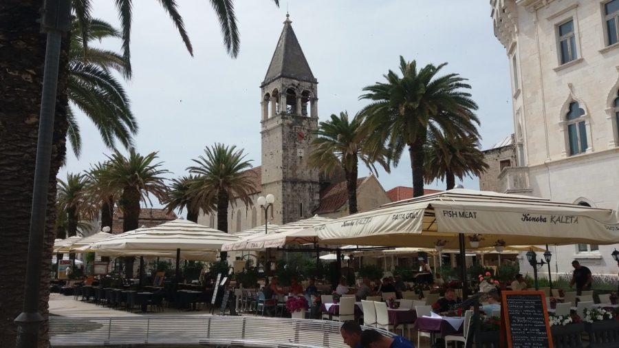 Les bars sur les quais de Trogir