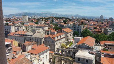 Vue sur la ville de Split depuis le campanile de la cathédrale Sveti Dujam