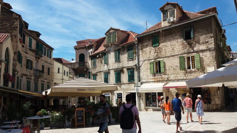 Une des nombreuses places de la vieille ville - Split