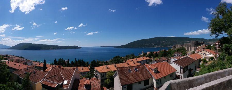 Vue depuis la ville haute d'Herceg Novi - Monténégro