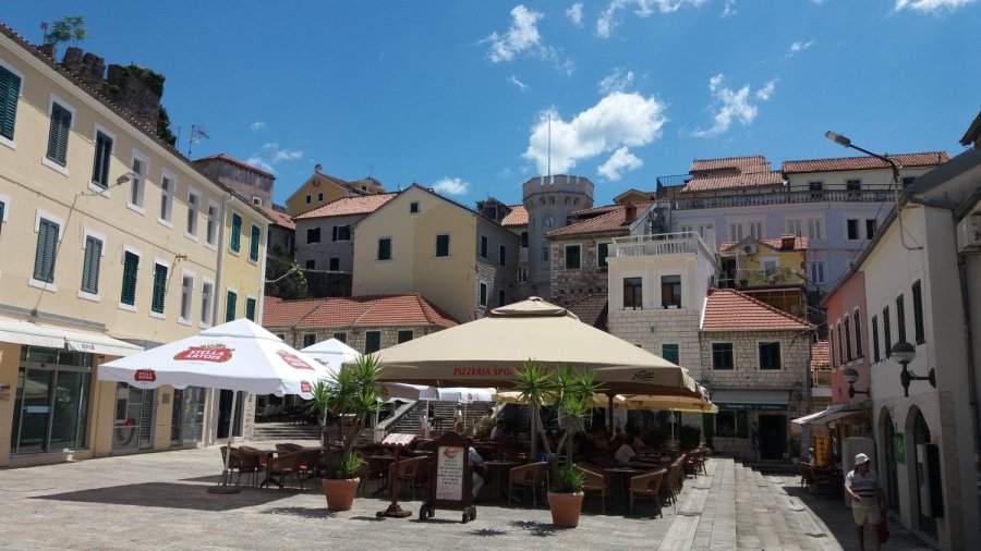 Center Square d'Herceg Novi - Monténégro