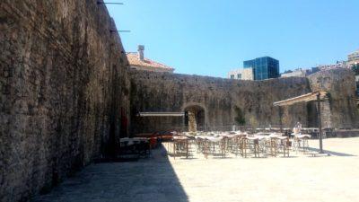 Aux portes de la vieille ville de Budva - Monténégro
