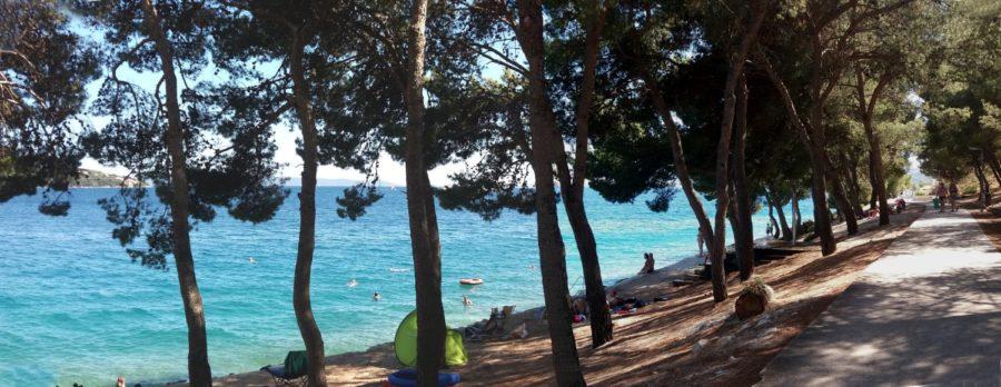 Plage, baignade et farniente au camping Belvédère de Seget Vranjica - Croatie