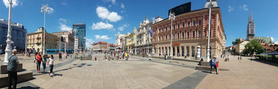 Vue panoramique de la place Bana Josipa Jelacica - Zagreb