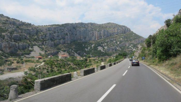 Sur la route du canyon de la Moraca - Monténégro