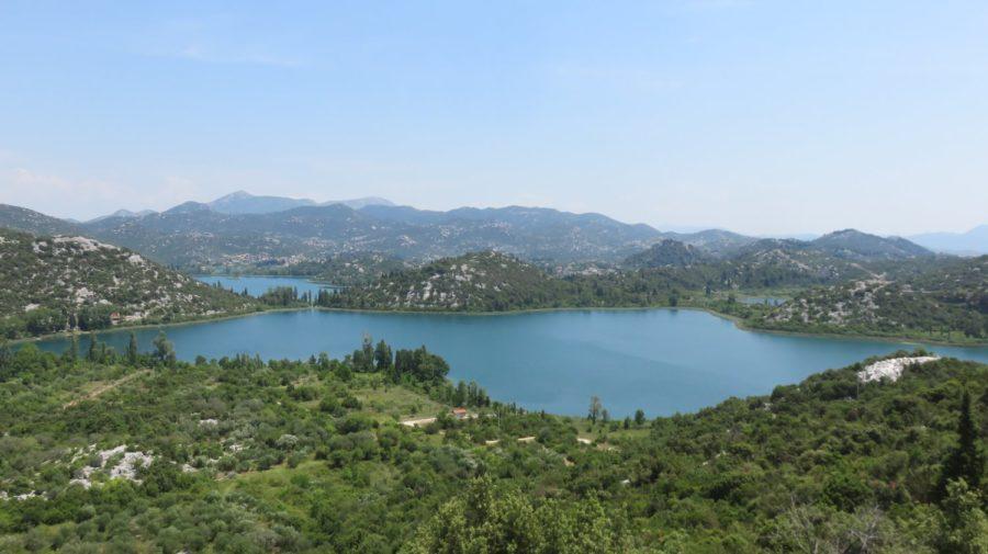Les lacs sur les hauteurs de Ploce - Croatie
