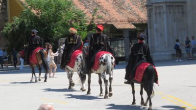 Relève de la garde sur la place Bana Josipa Jelacica - Zagreb