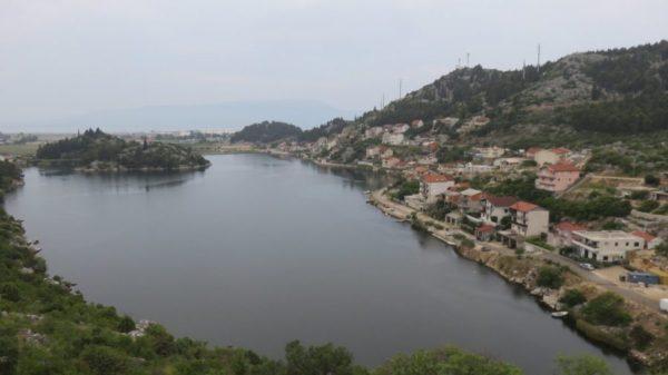 Des lacs le long de la route entre Zaostrog et Gradac