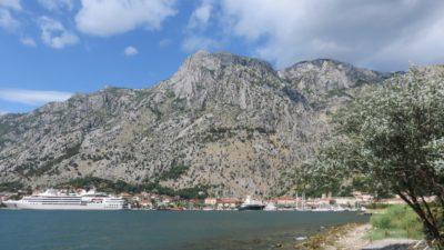 Le port et la vieille ville de Kotor - Monténégro