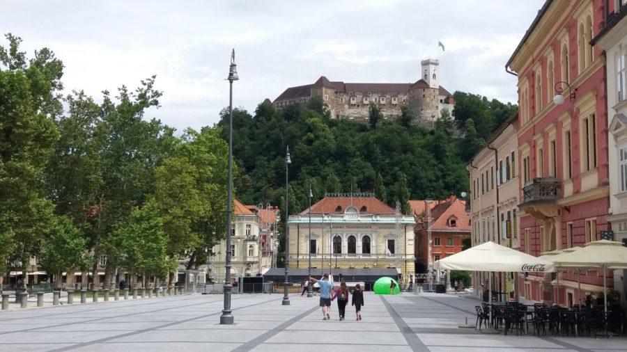 La place du congrès et le château - Ljubljana