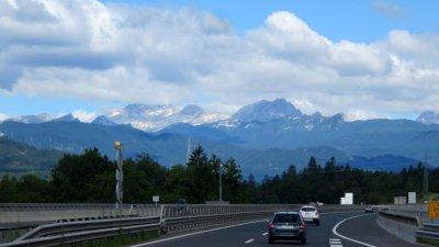 Paysage et sommets enneigés en Slovénie